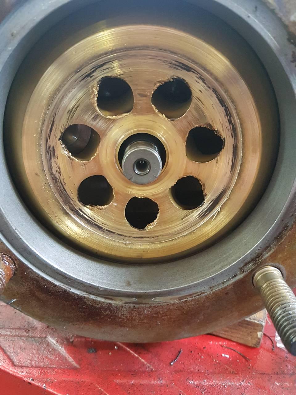 Дозатор (гидроруль) во время ремонта